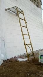 Vendo essa escada montável e desmontável, vendo a!