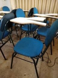 Cadeira escolar usada