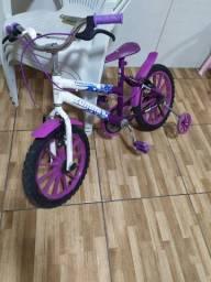Bicicleta infantil, R$300
