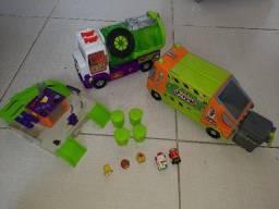 Coleção Trash Pack (2 caminhões + oficina + itens menores)
