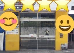 Vendo esta porta de vidro pra comércio semi novq