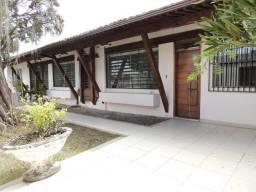 Vendo linda casa com 3 suítes