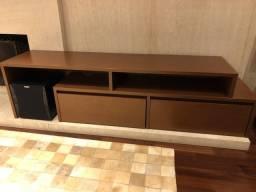 Rack de madeira com gavetas