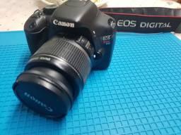 Canon T2I  ,lente 18/55 ,bateria carregador e bolsa de transporte