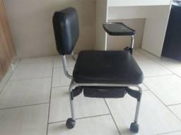Cadeira manicure.