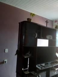 Uma estante de mogno preta bom estado de conservação