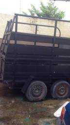 Reboque para cavalo reforçada feito com madeira de lei - 2012