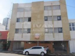 Apartamento para alugar com 3 dormitórios em Centro, Uberlândia cod:273813