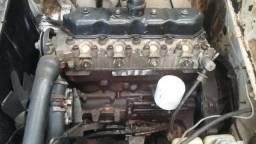 Motor retificado da Peugeot 504 diesel
