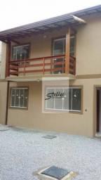 Bom apartamento com 2 quartos no Serramar