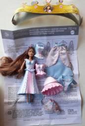 Mini Barbie e roupinhas