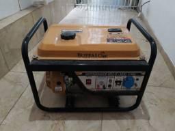 Gerador de eletricidade a gasolina