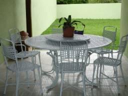 Mesa para área externa em alumínio fundido com seis cadeiras