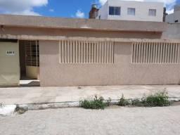 Casa próximo ao hospital de Limoeiro-PE