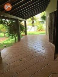 Casa à Venda em Ourinhos/SP, terreno de 890m2, 3 dormitórios, 1 Suíte, 251m2 construídos!