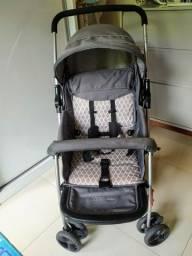 Carrinho de bebê semi-novo, usado poucas vezes