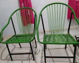 Vendo duas cadeiras de fibra 100