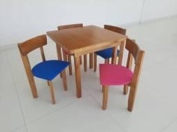 Cadeiras com Estofado Infantil