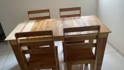 Mesa com 4 cadeiras madeira eucalipto