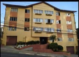 Aluga-se quartos em apartamento central