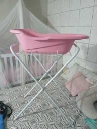 Suporte com banheira rosa