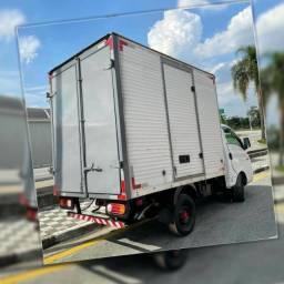 Título do anúncio: Frete e Mudança caminhão baú em HR interiores e cidade de todos os estados.
