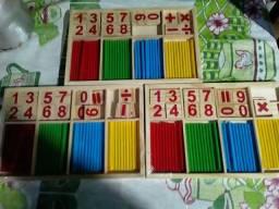 Brinquedo montessori de Matemática
