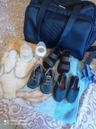 Lote de roupa e saída de maternidade e bolsa grande