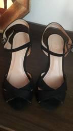 Sandalia semi nova