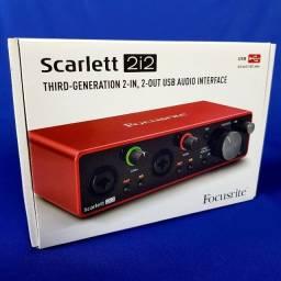 Interface Focusrite Scarlett 2i2 Nova lacrada