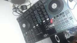 Controladora DJ Traktor S4