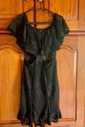 Vestido rendado Max Glamm (M)