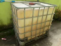 Vendo containers de 1000 Litros usado