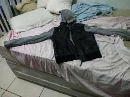 Vendo jaqueta de couro top com pano e capus