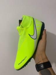 Chuteira Nike Phatom VSN Academy DF TF