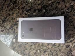 iPhone 7 128 gigas LACRADO bateria 100% Vitrine