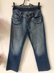 Calça jeans com laycra , veste 36, Valor 20.00