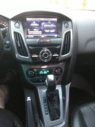 Ford Focus Titatinum