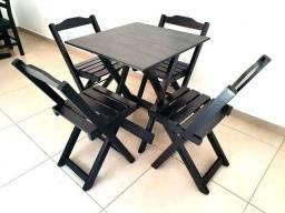 Conjunto 70x70 com 4 cadeiras dobráveis