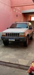 Vendo Jeep Cherokee Laredo