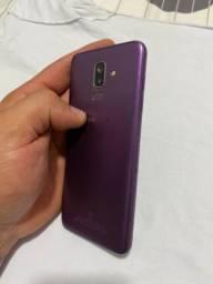 Samsung J8 violeta