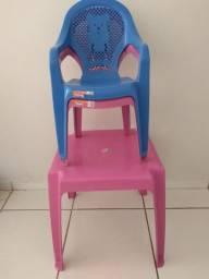 1 mesa e 2 cadeiras intantil - NOVA