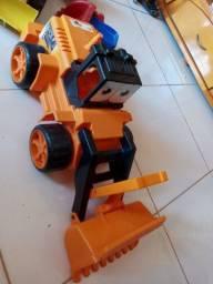 Trator de brinquedo