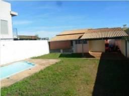Casa 2 quartos com piscina terreno inteiro no JD Ipes - Tres Lagoas