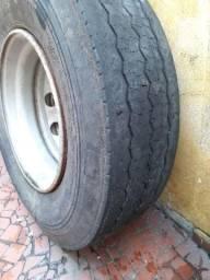 Roda do volvo dez furos sem câmara montada pneu com caroço