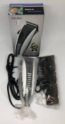 Máquina De Cortar Cabelo Profissional Rifeng RSCW 4604-B Nova na Caixa