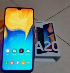 "Smartphone Samsung Galaxy A20 32GB 6.4"" 3GB RAM Câmera Traseira Dupla 13MP 5MP Azul"