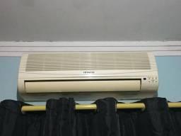 Ar-condicionado HITACHI 9000 BTU