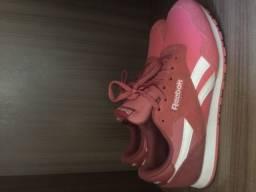 Tênis Reebok rosa numero 34/35