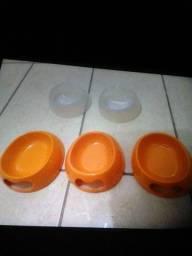 Vasilhas de racao e agua